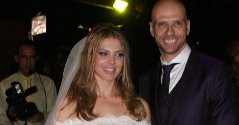 Sheila Mello usa vestido Rosa Clara em seu casamento com Fernando Scherer