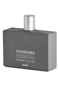 Frasco do perfume Standard, da Comme Des Garçons em parceria com a Artek