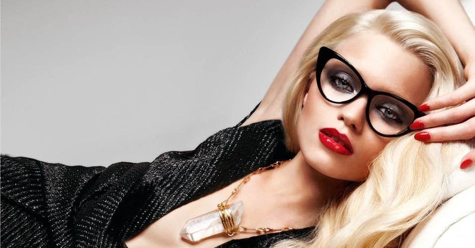 Janeiro 2011: A modelo australiana Abbey Lee Kershaw posa para a campanha Verão 2011 da Tom Ford Eyewear. As fotos foram feitas pelo próprio Tom Ford