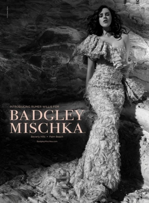 Janeiro 2011: A atriz Rumer Willis, filha de Demi Moore e Bruce Willis, estreou como modelo na campanha Verão 2011 da Badgley Mischka. As fotos foram tiradas por Tony Duran em Malibu