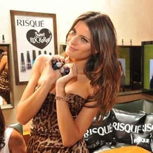 Isabeli Fontana lança coleção de esmaltes em parceria com a Risqué, durante o SPFW, na sexta-feira(28/01/2011)