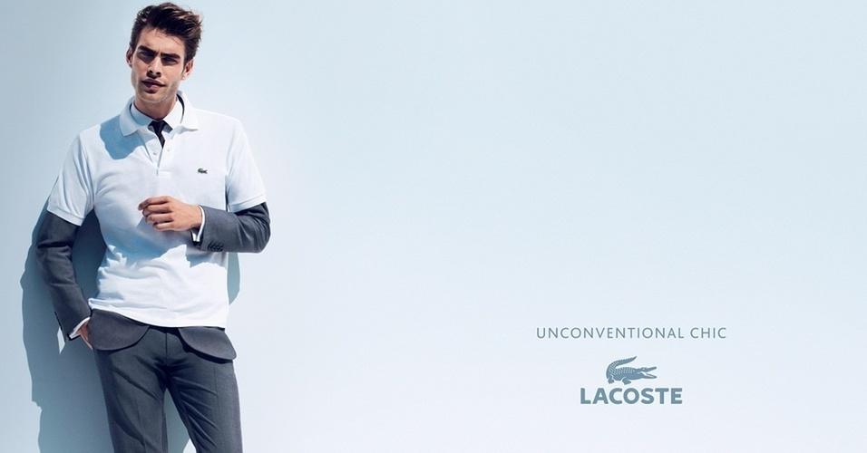 Janeiro 2011: O top Jon Kortajarena posa para as lentes da dupla Mert Alas & Marcus Pigott para a campanha Unconventional Chic da Lacoste
