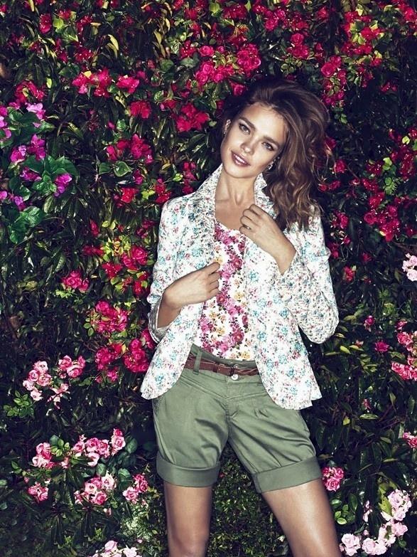 Fevereiro 2011: A supermodelo Natalia Vodianova posa para a campanha Verão 2011 da grife Etam