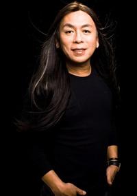 O cabeleireiro Celso Kamura  ensina como disfarçar imperfeições e arrasar na avenida