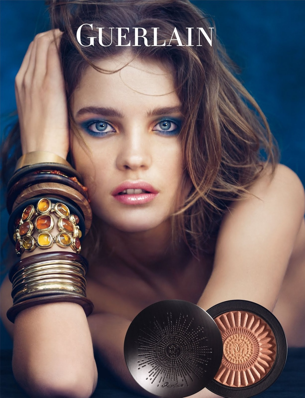 Abril: A supermodelo Natalia Vodianova confirma sua parceria com a Guerlain e aparece em nova campanha da marca. A nova coleo, cujos produtos vo ser lanados em maio,  inspirada no Machu Picchu e recebeu o nome de Terra Inca