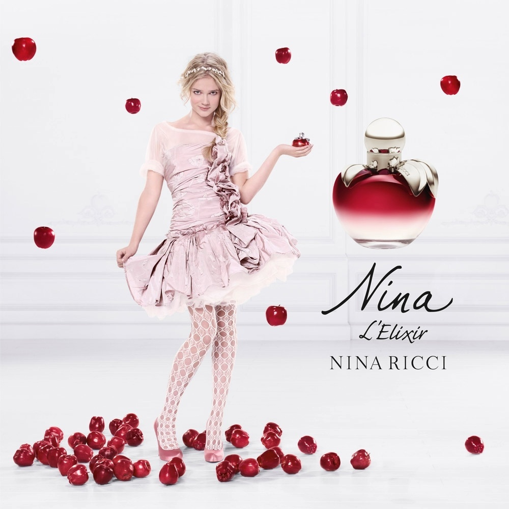Maio 2011: Para estrelar a campanha do novo perfume Nina L'Elixir, de Nina Ricci, foi convidada a cantora britnica Florrie Arnold, interpretando uma princesa romntica e inocente 