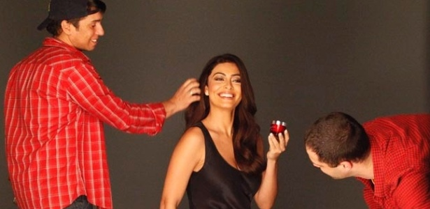 Juliana Paes em foto de making of da nova campanha da Olay