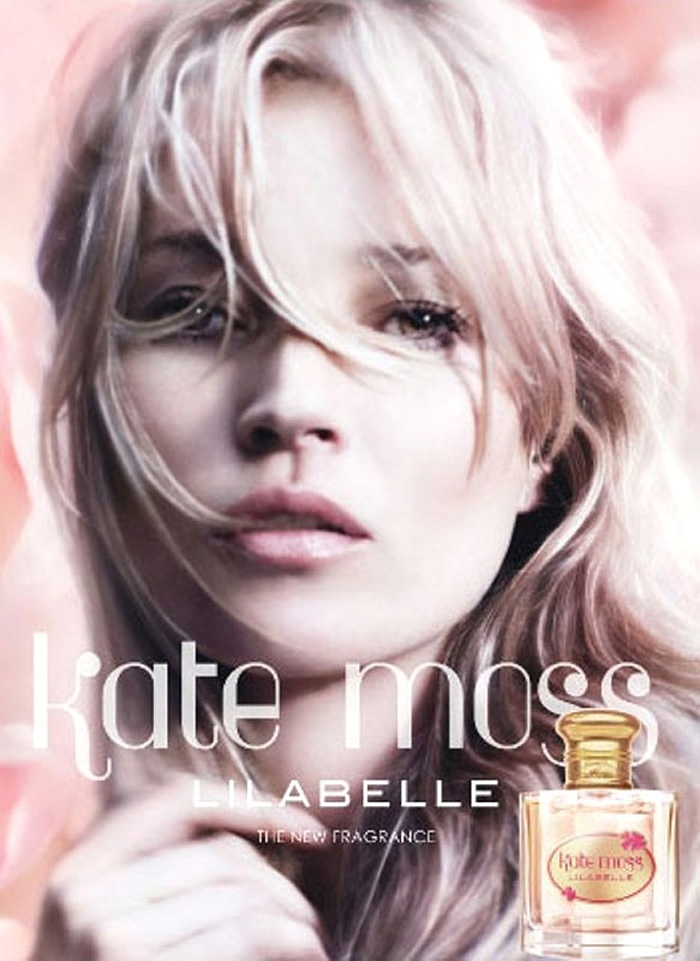 Novembro: A top Kate Moss lana seu novo perfume, Lilabelle, cujo nome  inspirado em sua filha, Lila Grace, e  voltado para mulheres que querem se sentir como jovens meninas. A fragrncia promete ser um floral almiscarado com notas de mandarim e frsia