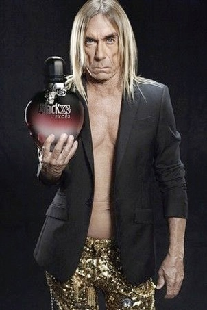 Novembro: Conhecido por seus excessos, o roqueiro Iggy Pop foi escolhido pela Paco Rabbane para ser o garoto-propaganda de Black XS L'Excs, novo perfume da marca que chega s lojas em janeiro