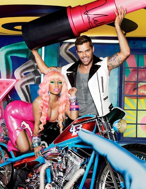 Novembro: Fotografados por David LaChapelle, Nicki Minaj e Ricky Mantin aparecem na nova campanha Viva Glam, da M.A.C, cuja venda de produtos tem renda revertida para um fundo de auxlio a vtimas da Aids