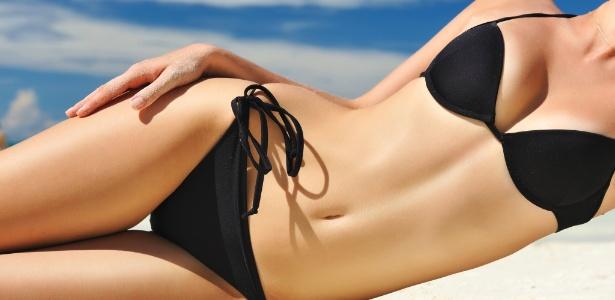 Bronzeamentos artificias surperficias são alternativas seguras para quem quer chegar à praia com a pele já dourada