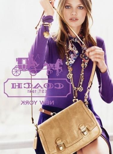 Junho 2011: A modelo holandesa Bette Franke posou para o fotógrafo Josh Olins para a campanha de Inverno 2011 da Coach