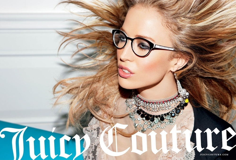 Agosto 2011: Raquel Zimmermann posa para a dupla  Inez Van Lamsweerde e Vinoodh Matadin para a campanha de Inverno 2011 da Juicy Couture. A top encarnou uma personagem colegial, com styling assinado por George Cortina