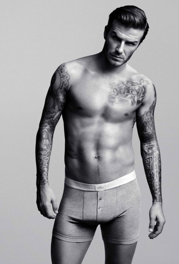Janeiro: O jogador David Beckham é o garoto-propaganda de sua linha de cuecas e pijamas para a rede de fast fashion sueca H&M