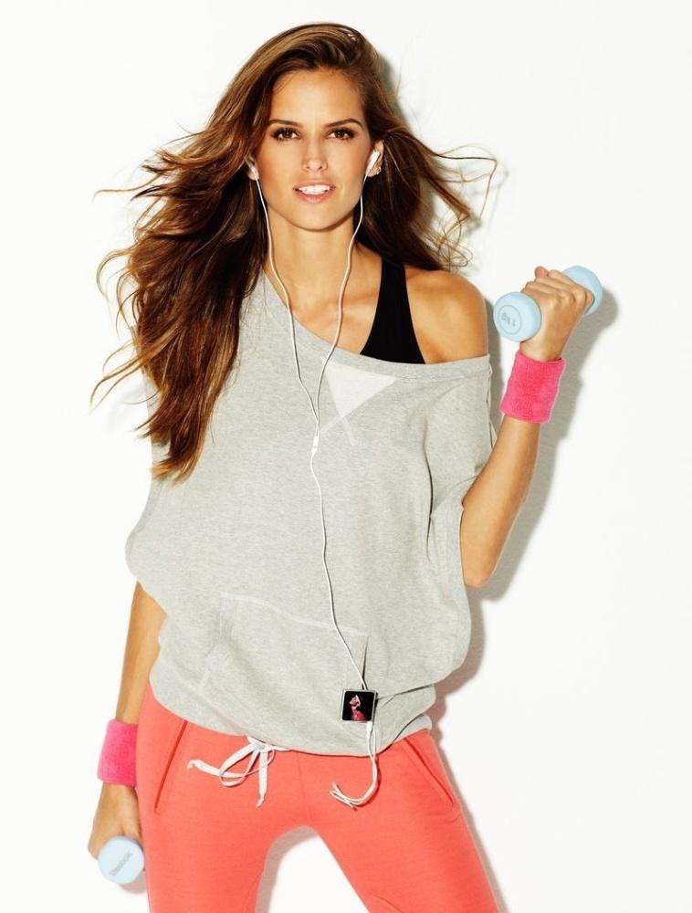 A top Izabel Goulart posa para o fotógrafo David Dunan para a campanha de Verão 2012 da linha fitness da marca espanhola Blanco