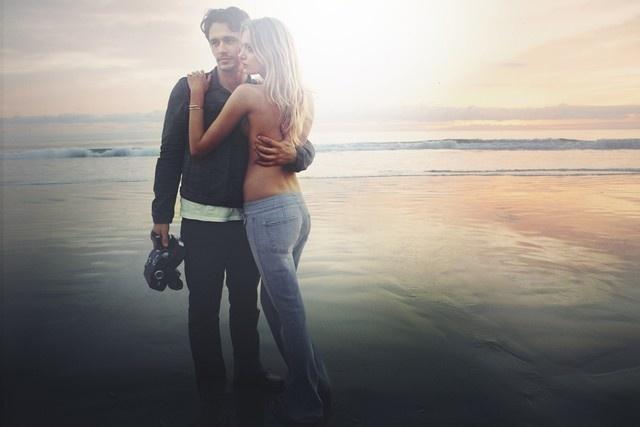 Fevereiro: O ator James Franco dirigiu o comercial e foi a estrela da campanha da marca de jeanswear 7 For All Mankind, ao lado a da top Lily Donaldson