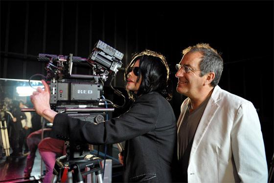 http://m.i.uol.com.br/michael-jackson-camera-afp-560.jpg