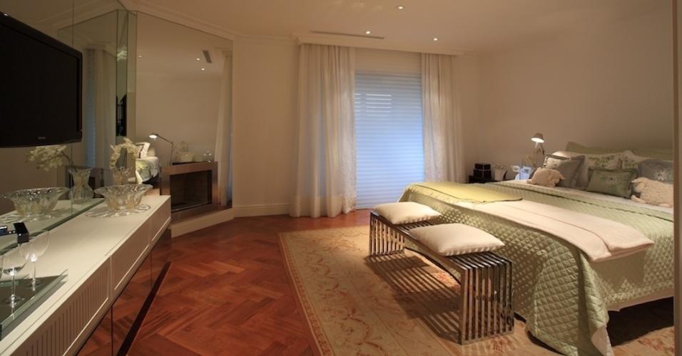 Apartamento da jovem empresária decorado por Brunete Fracarolli (2010)
