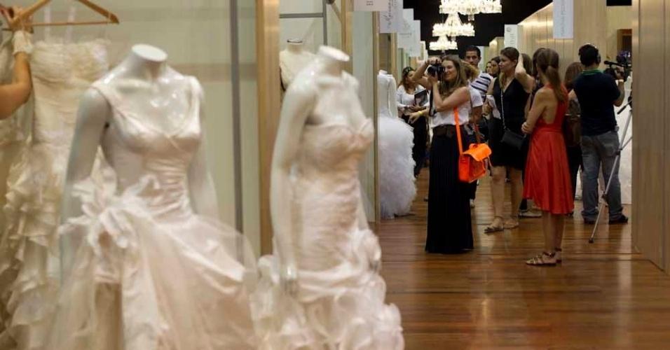 Os corredores do Salão CasaModa Noivas, evento que reuniu grifes para apresentar opções de vestidos e acessórios para o casamento no Hotel Unique, em São Paulo