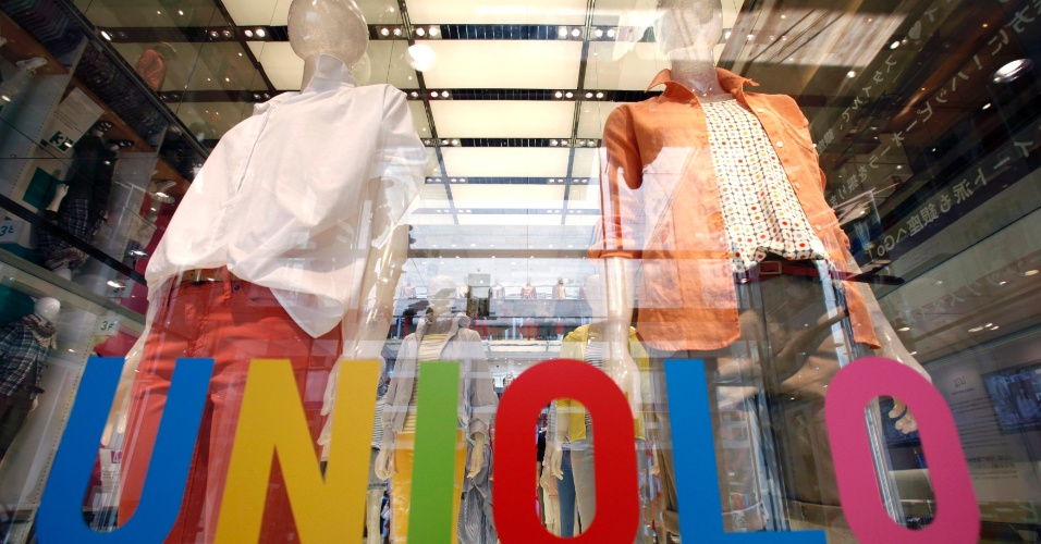 Maior rede de fast fashion na Ásia, a Uniqlo inaugurou uma nova loja-conceito em Tóquio com objetivo de renovar a imagem da marca (14/03/2012)