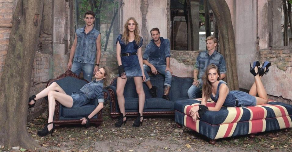 Março 2012: Na Escola Vila Maria Zélia, em São Paulo (SP), a fotógrafa Márcia Fasoli fez as fotos da nova campanha da TNG com os modelos Raphael Aidar, Robson Fassbinder, Dani Gondim, Aline Zen, Fabricio Bach e Taiana Sperotto