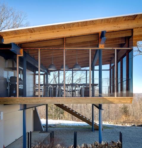 """Casa em New Milford, Connecticut, ganha nova """"luz"""" após reforma (NYT)"""