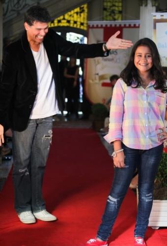 A passarela do Fashion Kids, evento voltado para a moda infantil em São Paulo, também contou com a presença do ator e cantor Maurício Mattar (21/03/2012)