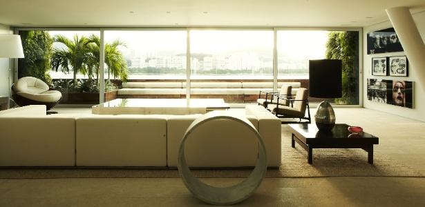Categoria Apartamentos: Triplex Urca, Rio de Janeiro (RJ), decorado pelo Studio Arthur Casas