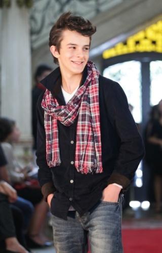 O cachecol xadrez arremata o look para os jovens em proposta apresentada pela Brooksfield Jr. durante o Fashion Kids, em São Paulo (21/03/2012)