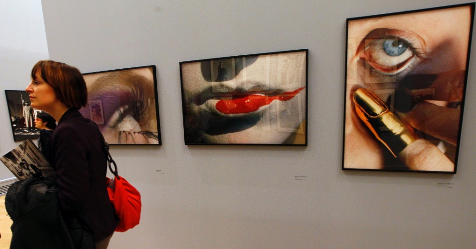 O trabalho do fotógrafo de moda Helmut Newton tem sua primeira retrospectiva na França, em cartaz no museu do Grand Palais em Paris (23/03/2012)