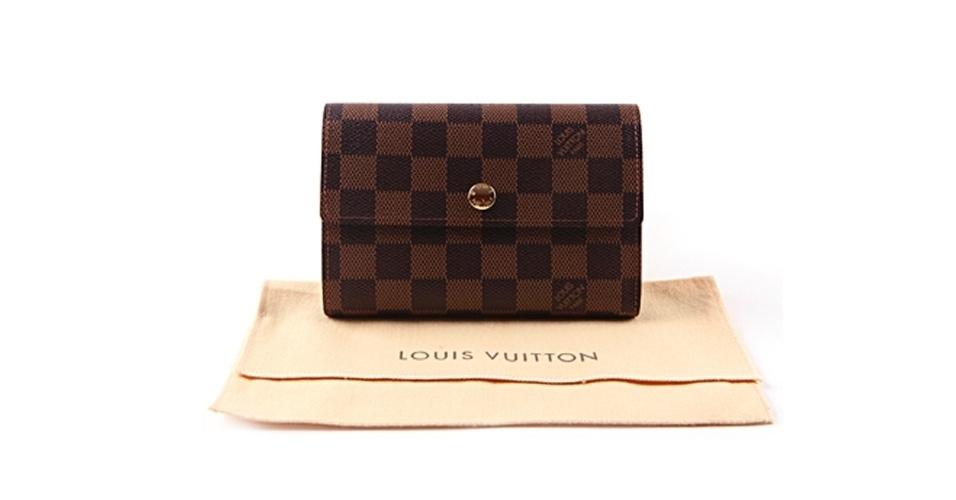 Carteira Louis Vuitton; R$ 1.000, na Shelf.com.br
