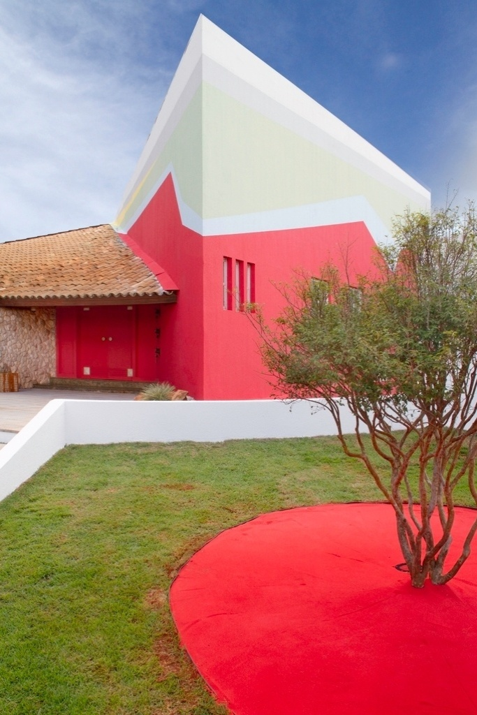 Morar Mais por Menos - Goiás - 2012. Fachada principal - arquitetos Rosele Caon e Francisco Severo