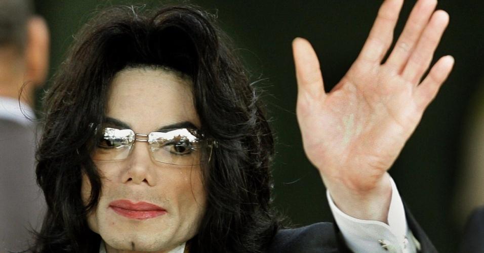 Michael Jackson chega a tribunal em Santa Maria, Califórnia (03/06/2005)