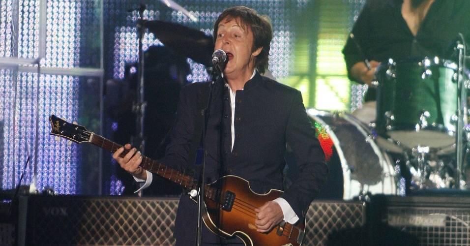 Paul McCartney durante apresentação em Nova Escócia, Canadá (11/07/2009)