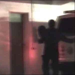 Imagem reproduzida por TV alemã de vídeo falso que mostra Michael Jackson vivo