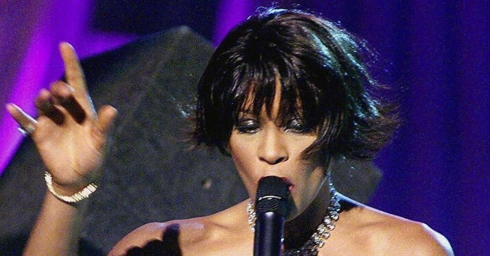 Whitney Houston na entrega dos Grammy Awards (23/02/2000)