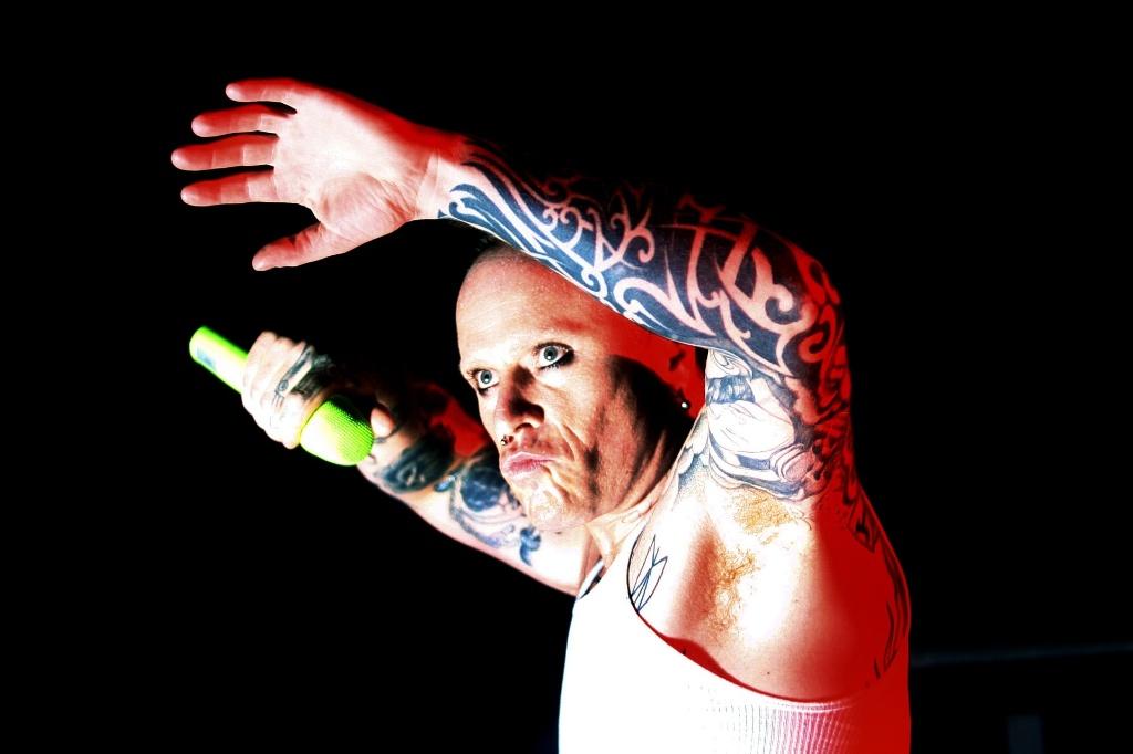 O vocalista Keith Flint durante show do Prodigy em São Paulo (23/10/2009)