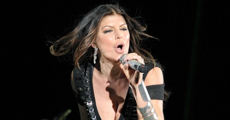 Fergie participa de show do U2 na Califórnia (25/10/2009)
