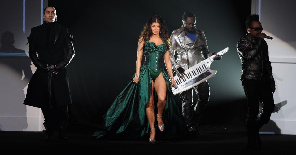 Black Eyed Peas durante show no desfile anual da Victoria's Secret, em Nova York (19/11/2009)