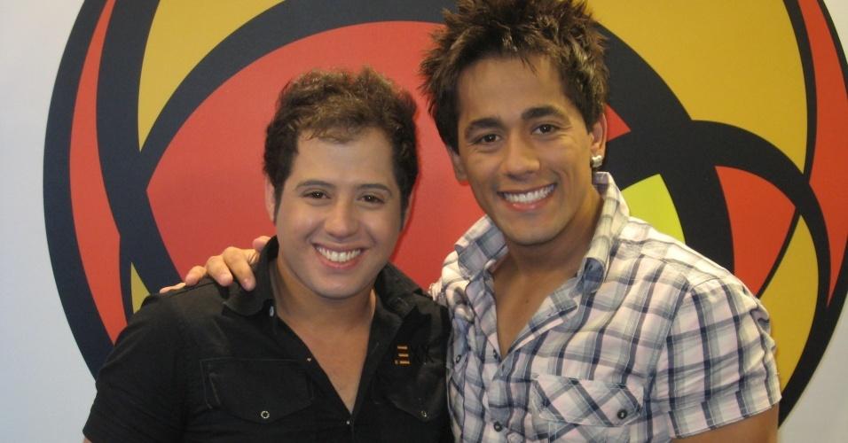 A dupla Hugo & Tiago nos estúdios do UOL (30/11/2009)