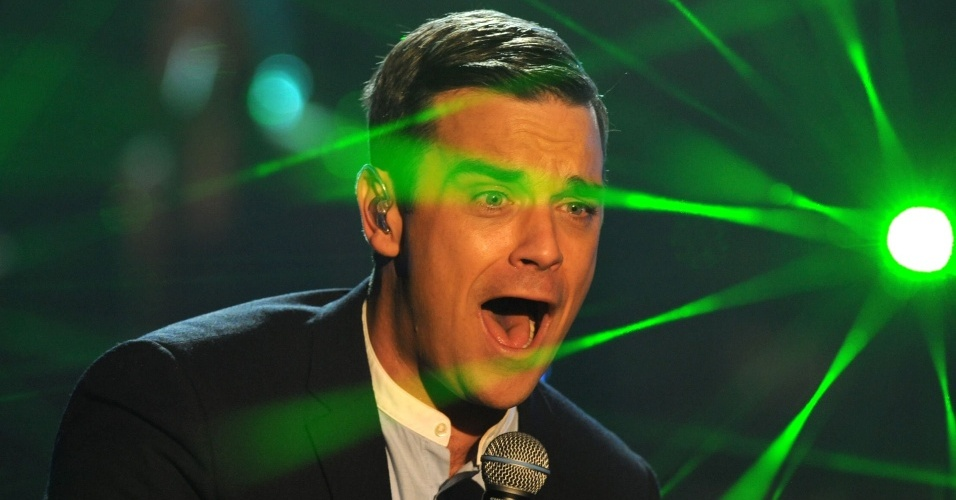 Robbie Williams se apresenta em programa da TV alemã (27/11/2009)