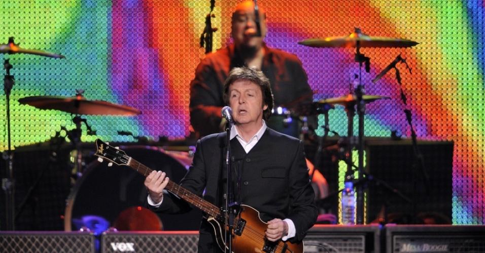 Paul McCartney durante apresentação em Hamburgo, na Alemanha (02/12/2009)