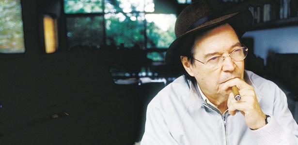 Tom Jobim em sua casa no Rio de Janeiro em 1994