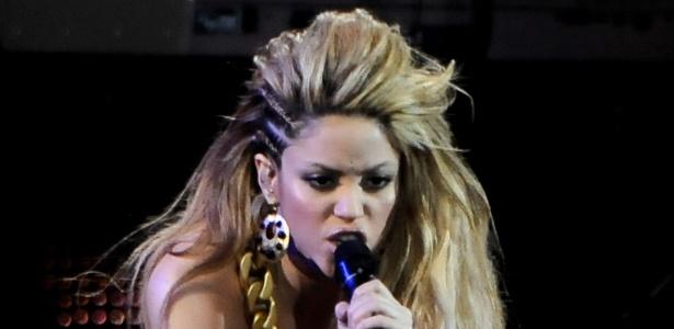 Shakira durante show no prêmio 40 Principales 2009 no Palacio de los Deportes em Madri, na Espanha (11/11/2009)