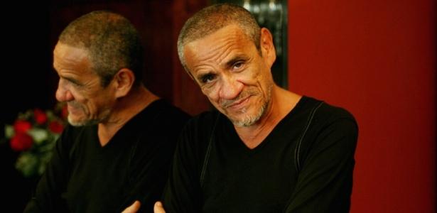 O cantor e compositor paraibano Zé Ramalho em seu apartamento, no Leblon, no Rio de Janeiro (12/04/2007)