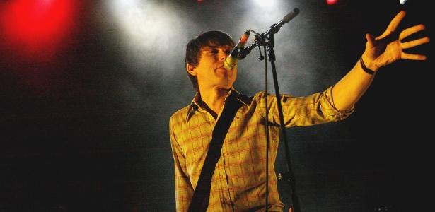 O vocalista Alex Kapranos em show do Franz Ferdinand em São Paulo (23/03/2010)