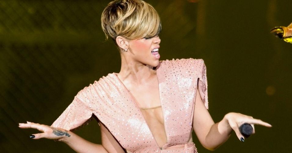 Rihanna durante show da turnê