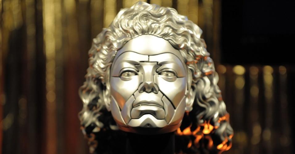 Escultura do rosto de Michael Jackson, parte de exibição de obejtos do cantor em Tóquio, Japão (1º/05/2010)