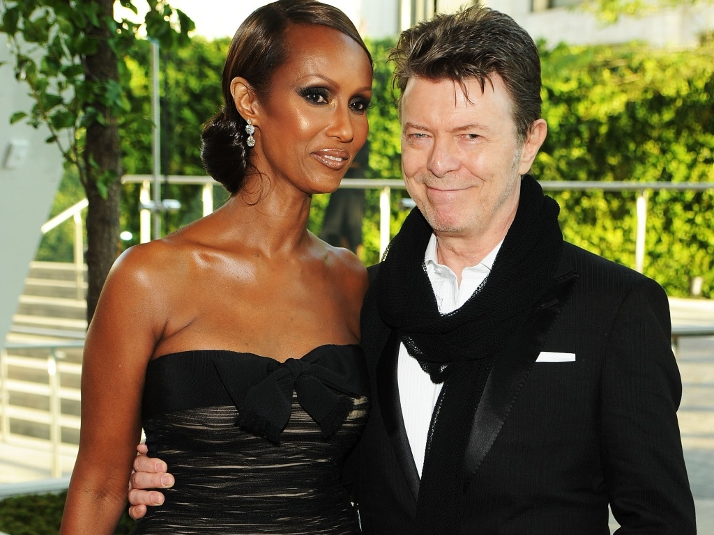 A modelo Iman e o cantor David Bowie durante o 2010 CFDA Fashion Awards no Alice Tully Hall, em Nova York (07/06/2010)