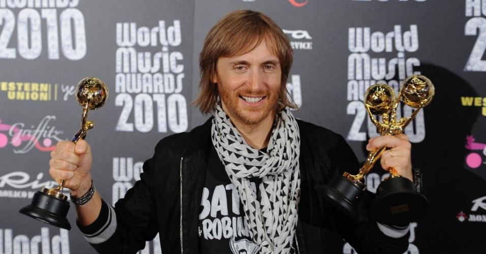 David Guetta com troféus da premiação World Music, em Mônaco (18/05/2010)